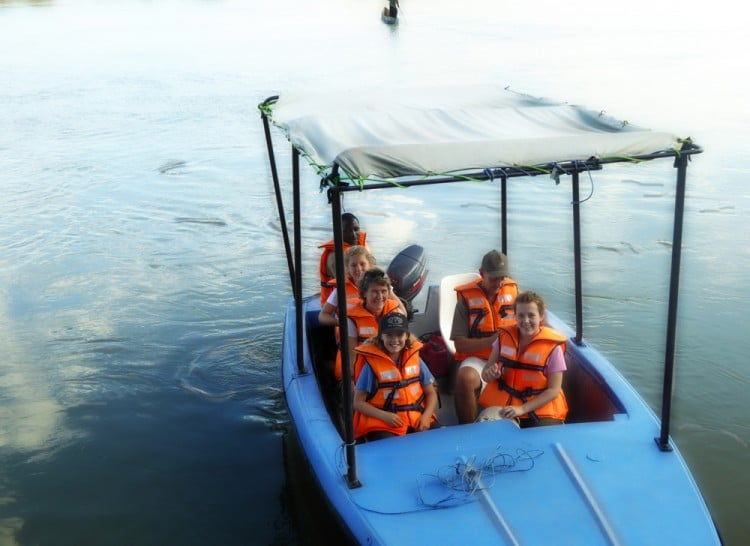 Boat-Safari-Daigle Tours